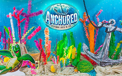 Anchored Decorating Stage